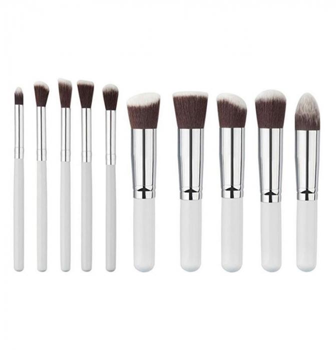 Set De 10 Pensule Profesionale Top Quality Kabuki Lilyz White