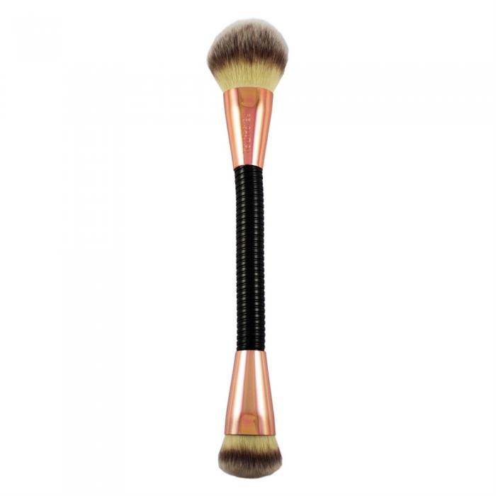Pensula Flexibila Pentru Contur Si Iluminare Makeup Revolution FLEX 02 Highlight Contour