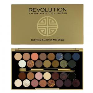 Paleta Cu 30 Farduri MAKEUP REVOLUTION Fortune Favours The Brave by British Beauty Blogger0